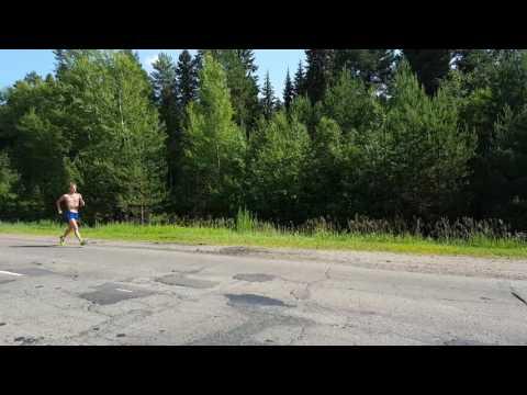 Беговые лыжи для начинающих. Техника классикииз YouTube · Длительность: 7 мин  · Просмотры: более 275000 · отправлено: 27.12.2011 · кем отправлено: SkiRun Ru