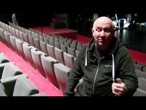 """Rencontre avec Denis Barthe pour le BD Concert """"Au vent mauvais""""de YouTube · Durée:  4 minutes 8 secondes"""