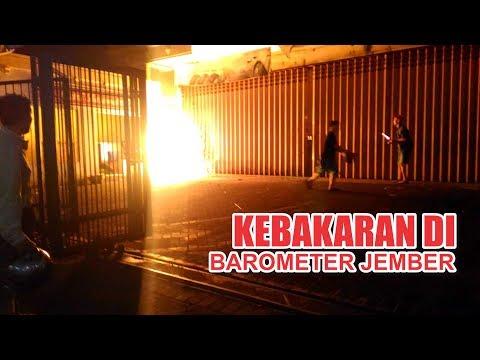 barometer Jember terbakar dapat dipadamkan dengan cepat oleh damkar jember ( Full Video )