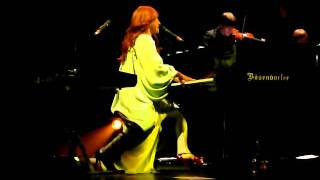 Tori Amos - Spring Haze @ Beacon Theater NYC 12-02-11