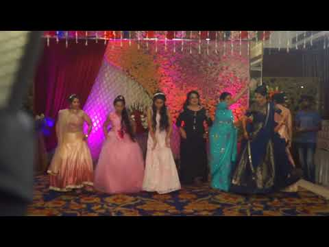 BEST FAMILY GROUP DANCE || PUNJABI WEDDING SONG || HASEE TOH PHASEE