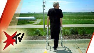 Um zu überleben, amputierte sich dieser Mann selbst das Bein | stern TV