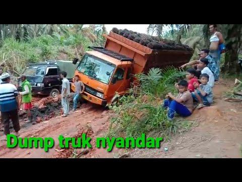 Dump truk nyandar