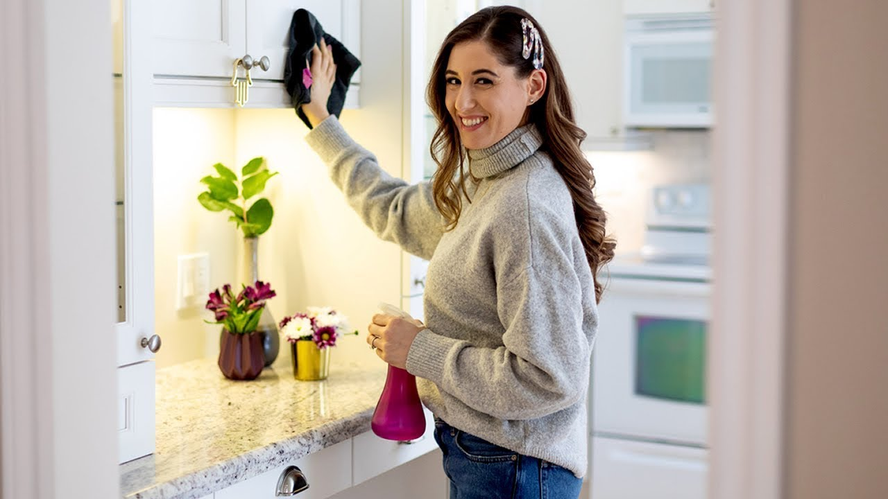 10 Kitchen Cleaning Secrets You Should Know!