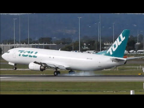 RARE VISITOR | Toll Air Freight Boeing 737-400SF at Perth Airport