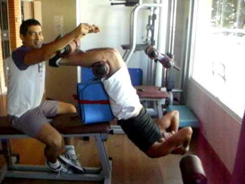 Abdominales en el gym youtube for El gimnasio