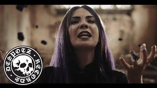 Смотреть клип Skarlett Riot - Gravity