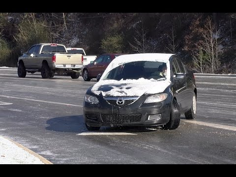 Thumbnail: Icy road mayhem in Birmingham, Alabama - January 7, 2017