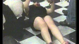 Repeat youtube video Hermanas huevo enseñando todo en acabatelo multimedios tv
