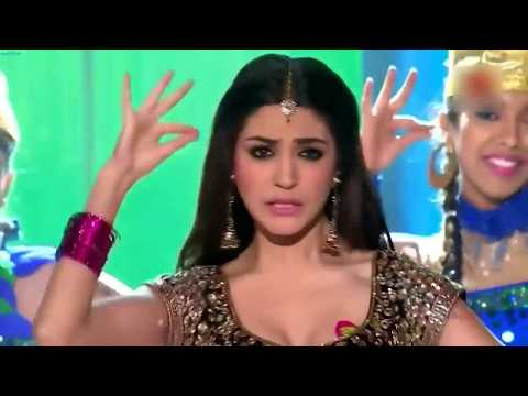 Anushka Sharma Performance | Kajra Re in Star Guild Award