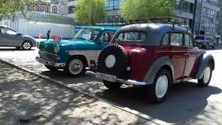 Ретро автомобили на День Победы в Оренбурге.