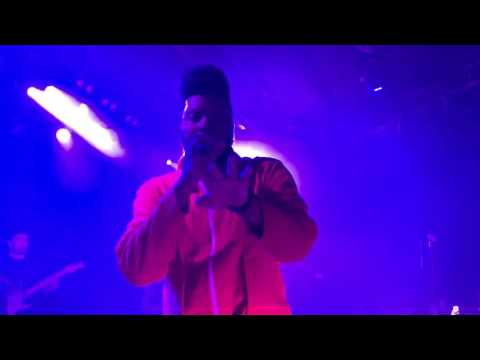 Khalid - Young, Dumb & Broke (LIVE @ The Roxy in LA)