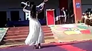 Desh bakhti geet ND girl student.