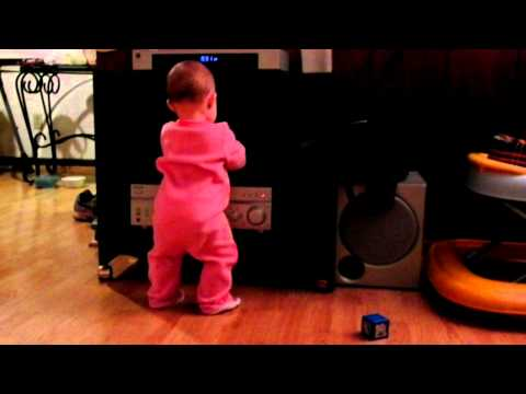 9 Month Old DaNcInG