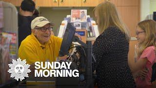 Hartman: The 97-year-old bagboy