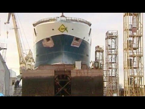 На Выборгском судостроительном заводе спустили на воду крупнотоннажный траулер «Баренцево море»