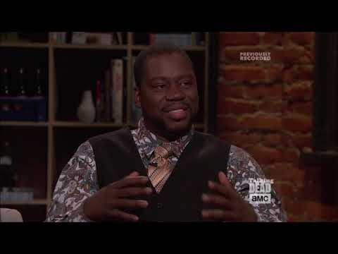 "Talking Dead (Fear) - Daryl ""Chill"" Mitchell (Wendell) on his character using a wheelchair"