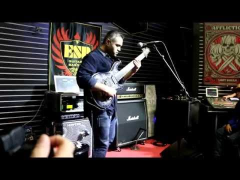 "NAMM 2015 - JAVIER REYES - ESP GUITAR COMPANY (Performs ""Lippincott"")"