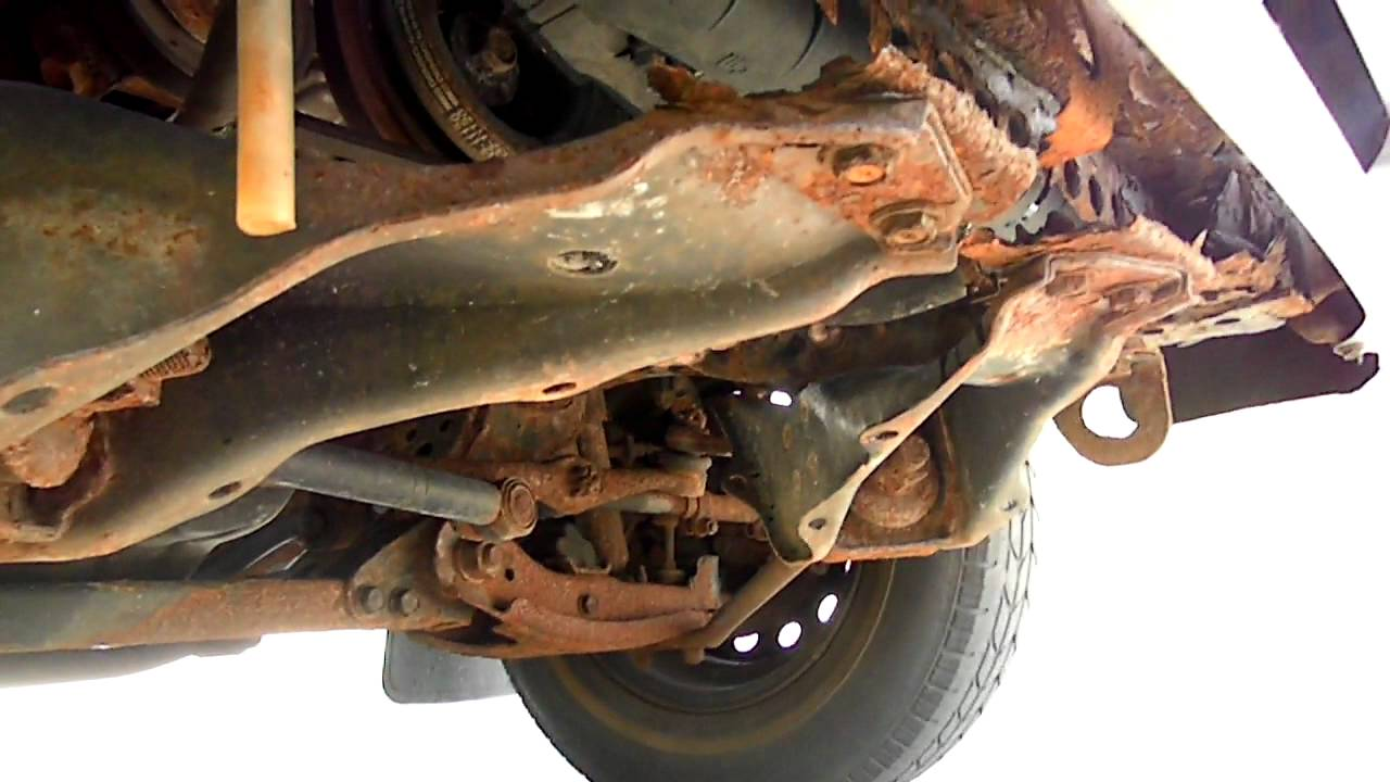 1993    toyota    pickup front end rusted  help   YouTube