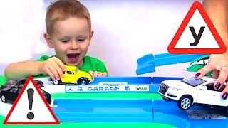 Умные МАШИНКИ для мальчиков. Авто школа для детей Суперкар 3й урок. Говорящие машинки мультики гонки