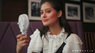 Maureen Wroblewitz Shows Us 10 Things Inside A Model's Bag | Star Style Beauty