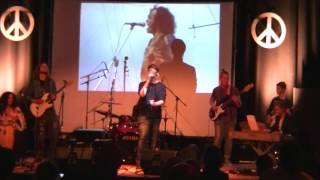 Yanick van Geldere op Bas cover Santana Black Magic Woman / /Woodstock in de Baerne 12 4 2016