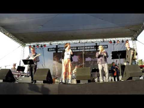 On the Sunny Side of the Street - Sara Gazarek @ 2016 KSBR Bash (Smooth Jazz Family)