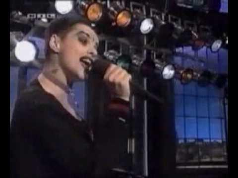 Клип Nina Hagen - I'm Gonna Live The Life