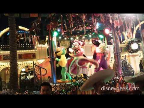 DCA: Disney Viva Navidad! (Finale Clip)
