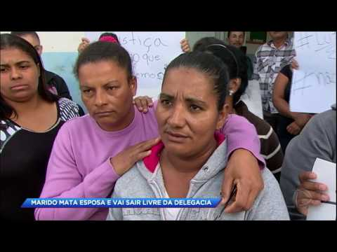 Mãe convence filho que assassinou ex-mulher a se entregar