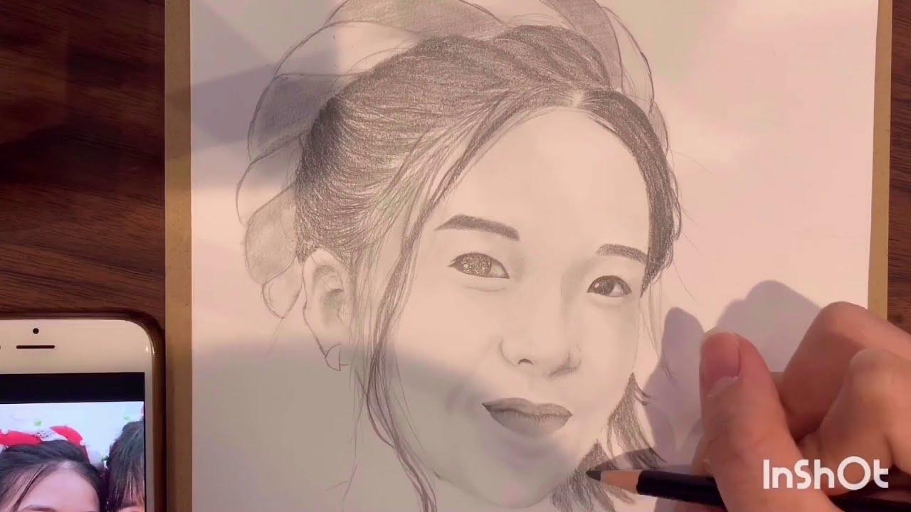 Vẽ chân dung bằng bút chì. Pencil realitic drawing. 鉛筆で絵を描く。