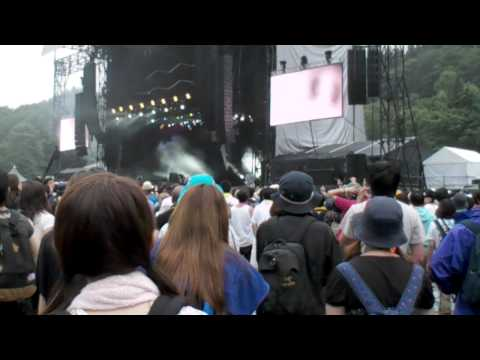 BOOM BOOM SATELLITES - KICK IT OUT(LIVE)@FUJI ROCK FESTIVAL '10