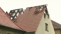 Feuer zerstört Mehrfamilienhaus in Uehlfeld | BR24