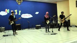 SCANDAL - Welcome Home [Cover by Vergazenth] at Niji Matsuri UPS Tegal (28/09/2014)