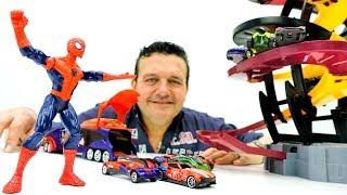 ¡Circuito de coches! 🚗🕸 CARROS de carreras del HOMBRE ARAÑA Juegos de Spiderman The Incredible Hulk