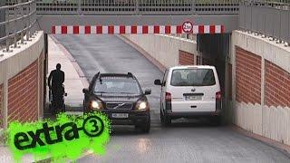 Realer Irrsinn: Zu enger Tunnel in Bremen