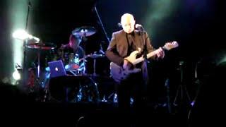 """Ultravoxの2009年再結成ツアーでのBrighton Domeのライブ映像です。 曲目は3曲目に演奏された""""We Stand Alone""""。"""