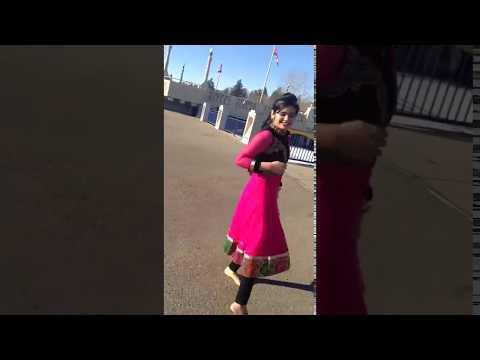 Tu Mere Wal Takdi Rave Dance Girl
