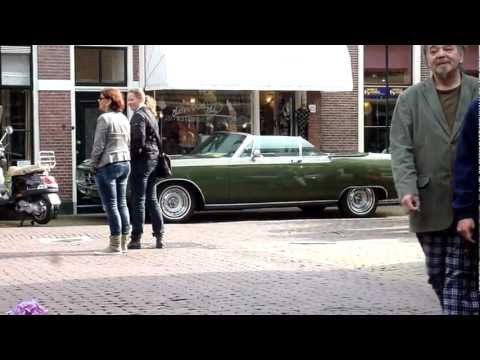1969 Chrysler 300 Convertible as a green jewel in the street (HD)