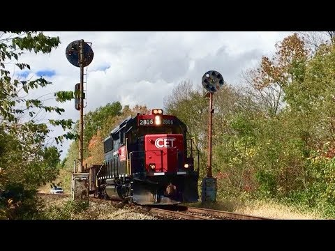 2 Trains Back To Back On Short Line Railroad Cincinnati East Terminal Ry!