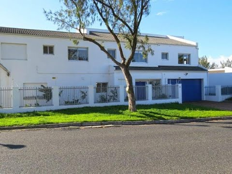 4 Bedroom House For Sale in Marina Da Gama, Cape Town, Western Cape, South Africa for ZAR 3,950,000