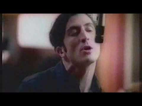 Клип Rialto - Untouchable