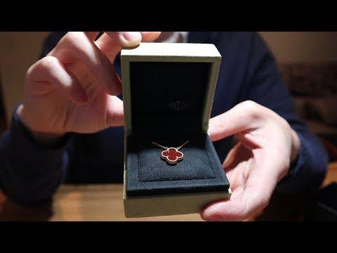 Van Cleef & Arpels Vintage Alhambra Necklace in Red Carnelian Unboxing