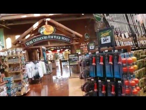огромный магазин рыбалки