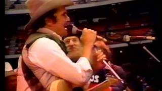Merle Haggard - Willie Nelson - Johnny Paycheck - Songs from the Anaheim Stadium concert