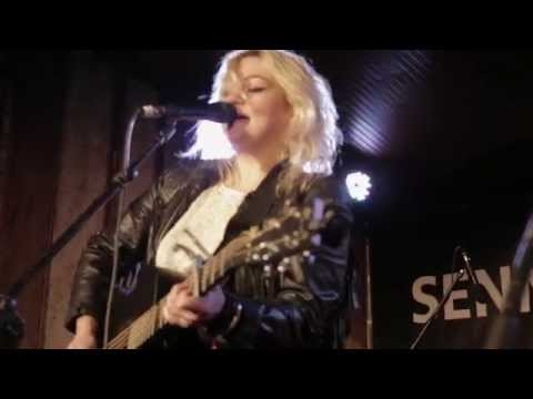 Elle King - In The Water - 3/10/2013 - The Blackheart mp3