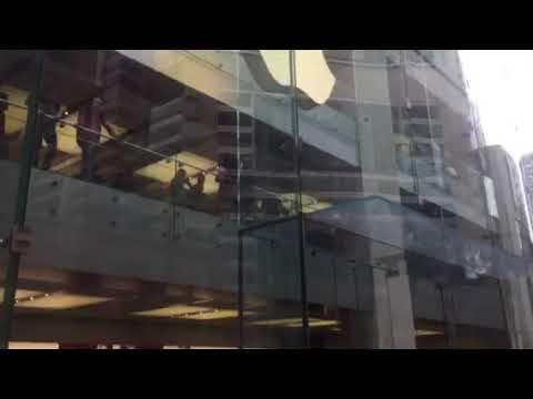 APPLE Store, George St, Sydney 26/12/17