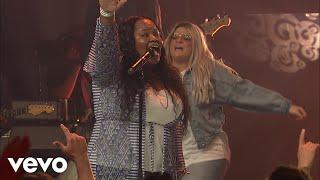 Tasha Cobbs Leonard - Overflow (Live At Passion City Church)