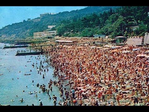 Типичный советский пляж: 20 ретро-фото / Typical Soviet Beach: 20 Retro Photos