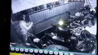 vuclip Video Rekaman CCTV Pencurlan Motor Yamaha New Vixion Lightning di Sukaluyu Bandung